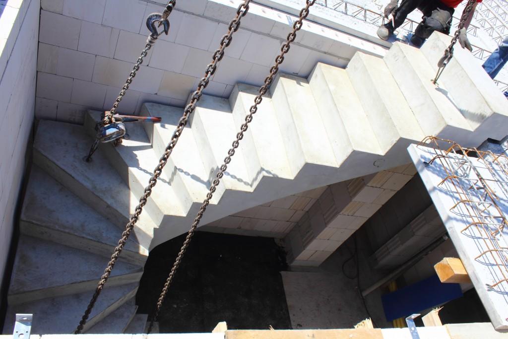 15-06-11 Einbau Decke - Treppe 099